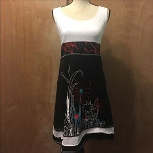 Pimpinela Embroidery dress size M